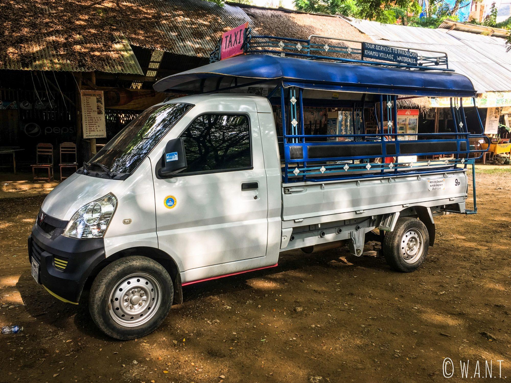Songthaew nous permettant de nous rendre à la cascade Kuang Si de Luang Prabang