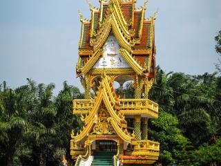 Tour du tambour au temple de Lak Sao