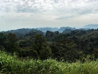 Vue depuis le point de vue Limestone sur la boucle de Thakhek