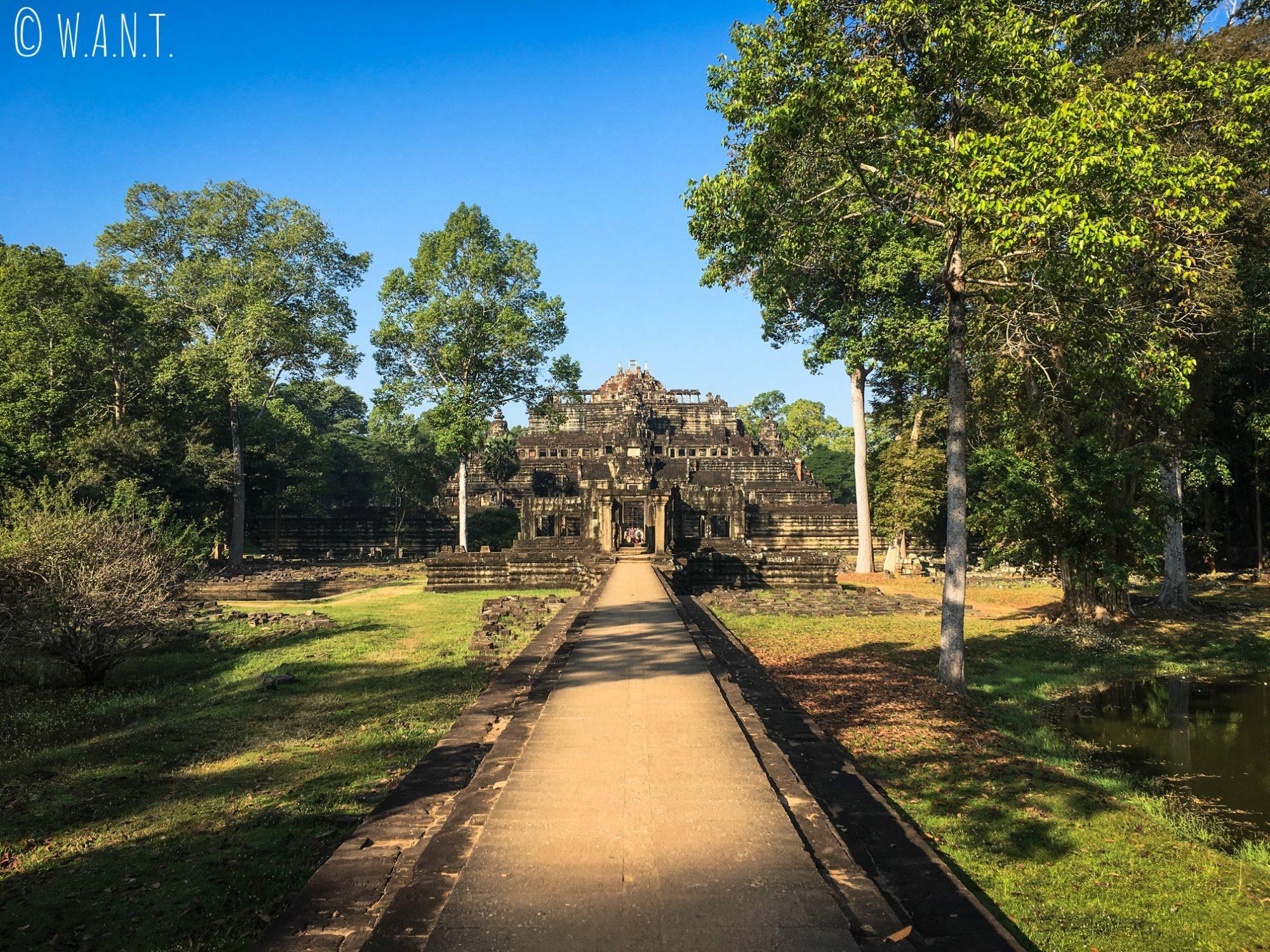 Accès au temple Baphuon dans l'enceinte d'Angkor Thom