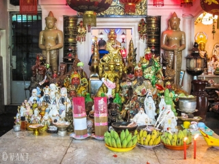 Autel au Wat Phnom de Phnom Penh