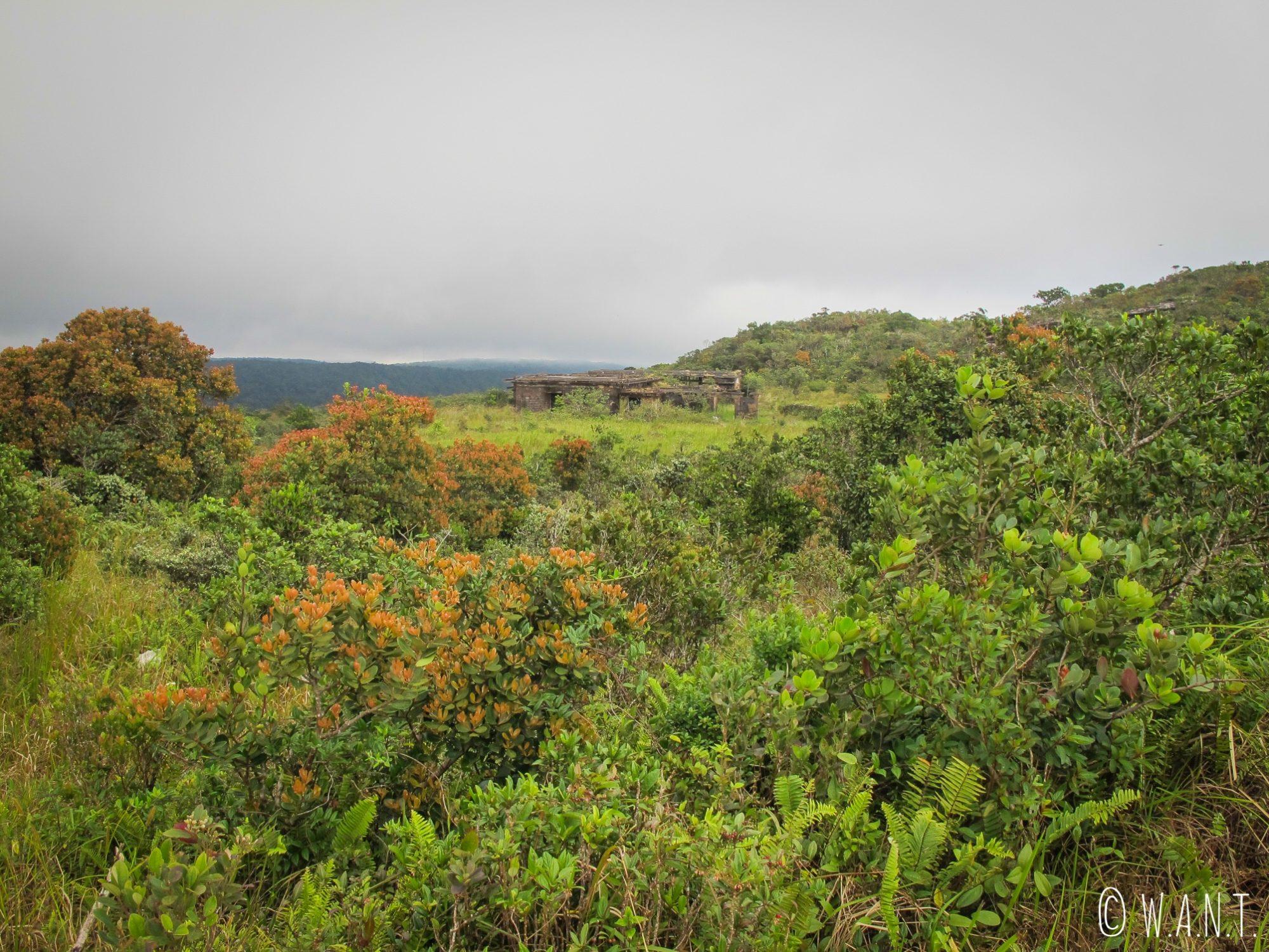 Bâtiment abandonné de Bokor Hill Station, dans le Parc national de Bokor