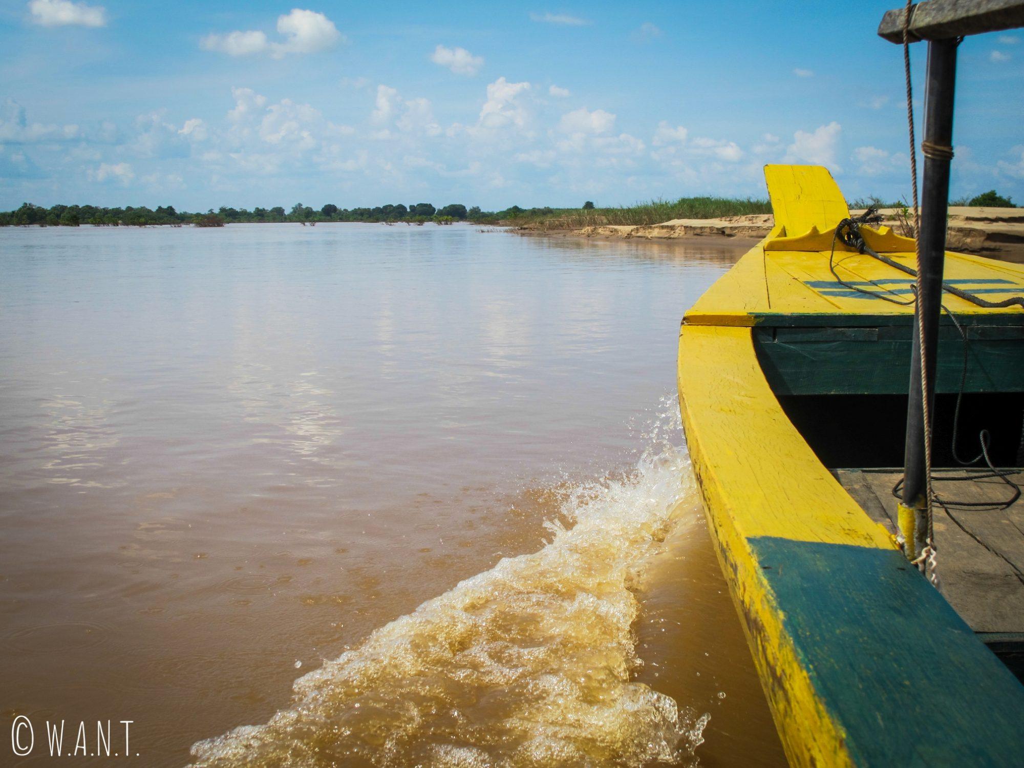 Barque sur le Mékong pour aller observer les dauphins de l'Irrawaddy