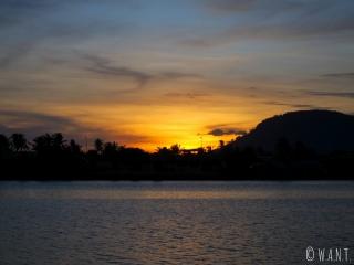 Coucher de soleil sur la ville de Kampot