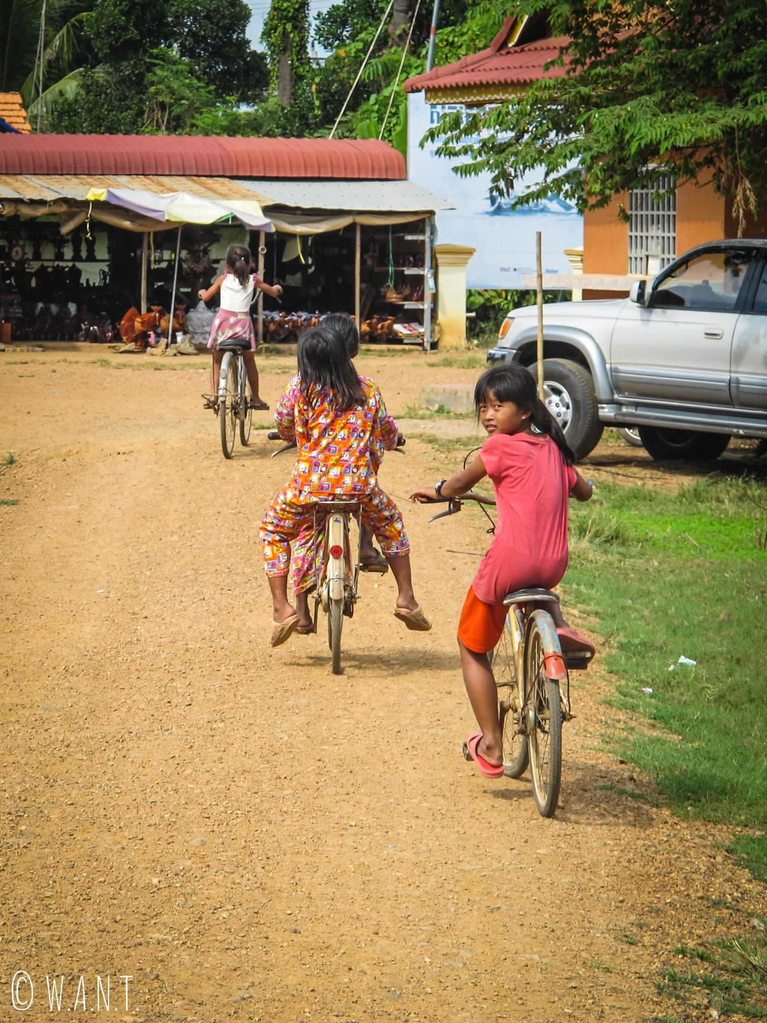 Course à vélo à Kampi près de Kratie