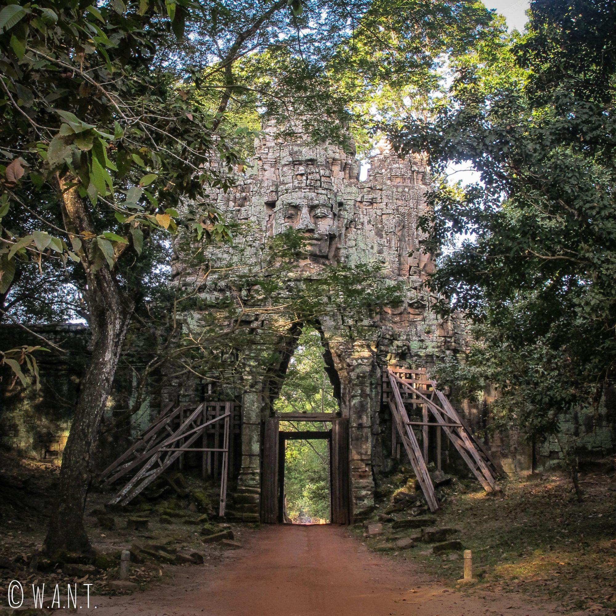 Entrée par la porte ouest d'Angkor Thom