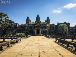 Esplanade vide d'Angkor Wat à Siem Reap