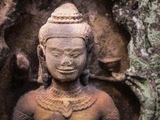Gros plan sur une statue du temple Banteay Kdei d'Angkor