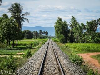 Ligne de chemin de fer aux environs de Kampot
