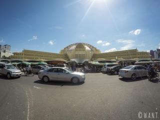 Marché Central de Phnom Penh, vu de l'extérieur