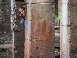 Marion dans le temple Banteay Kdei d'Angkor