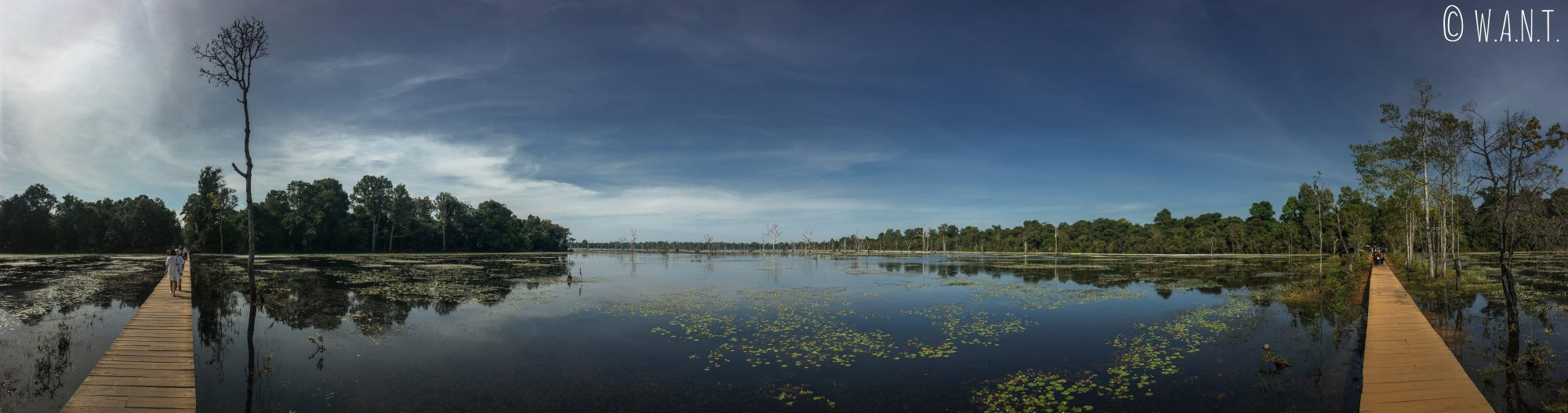 Panorama visible lors de l'accès au temple Neak Pean à Angkor