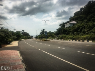 Quatre voies désertes de Kep