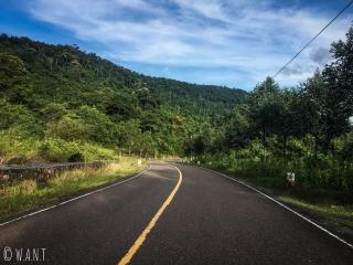 Route en lacet du Parc national de Bokor