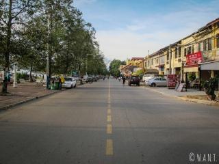 Rue de Kampot longeant l'estuaire