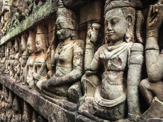 Sculptures de la terrasse du roi lépreux à Angkor