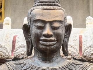 Statue du Wat Ounalom de Phnom Penh