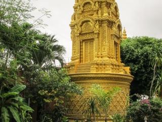 Stupa doré du Wat Ounalom de Phnom Penh
