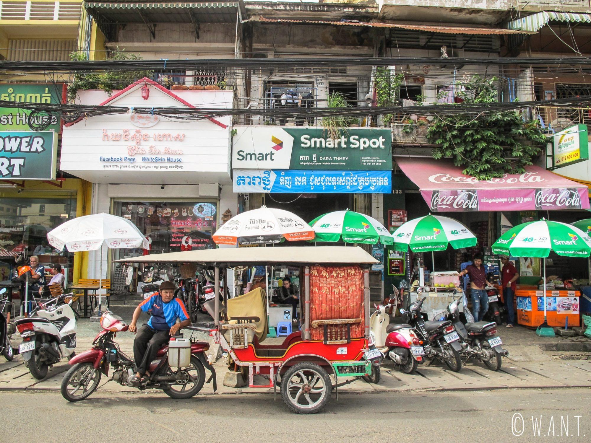 Tuk-Tuk dans les rues de Phnom Penh