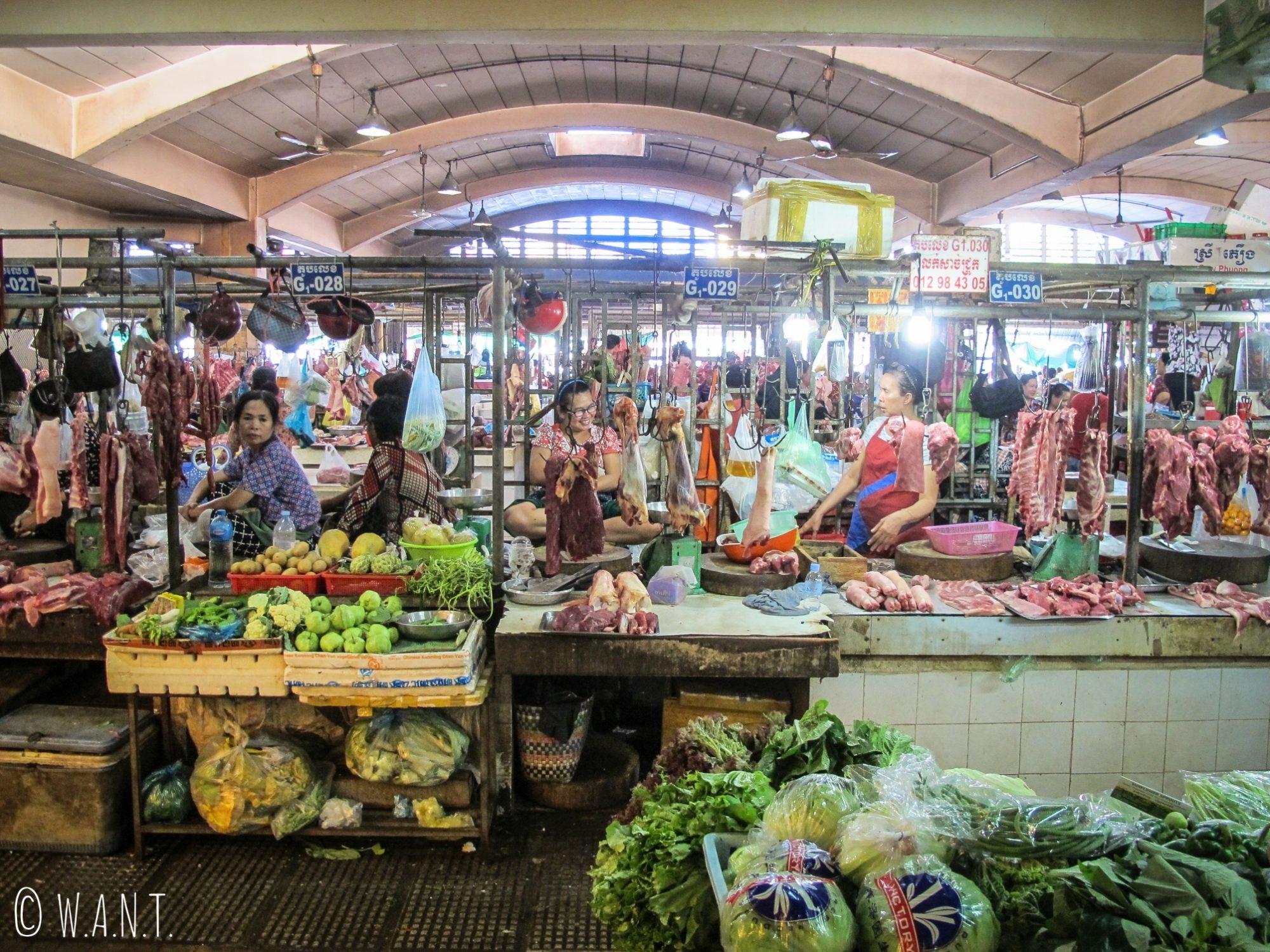 Une partie du Marché Central de Phnom Penh est consacrée au produits frais