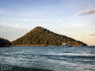 Vue depuis le chemin menant à Clear Water Bay à Koh Rong Sanloem