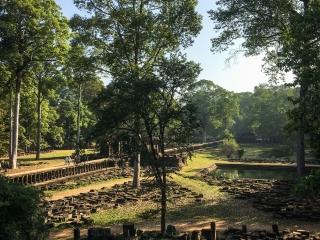 Vue depuis le temple Baphuon dans l'enceinte d'Angkor Thom