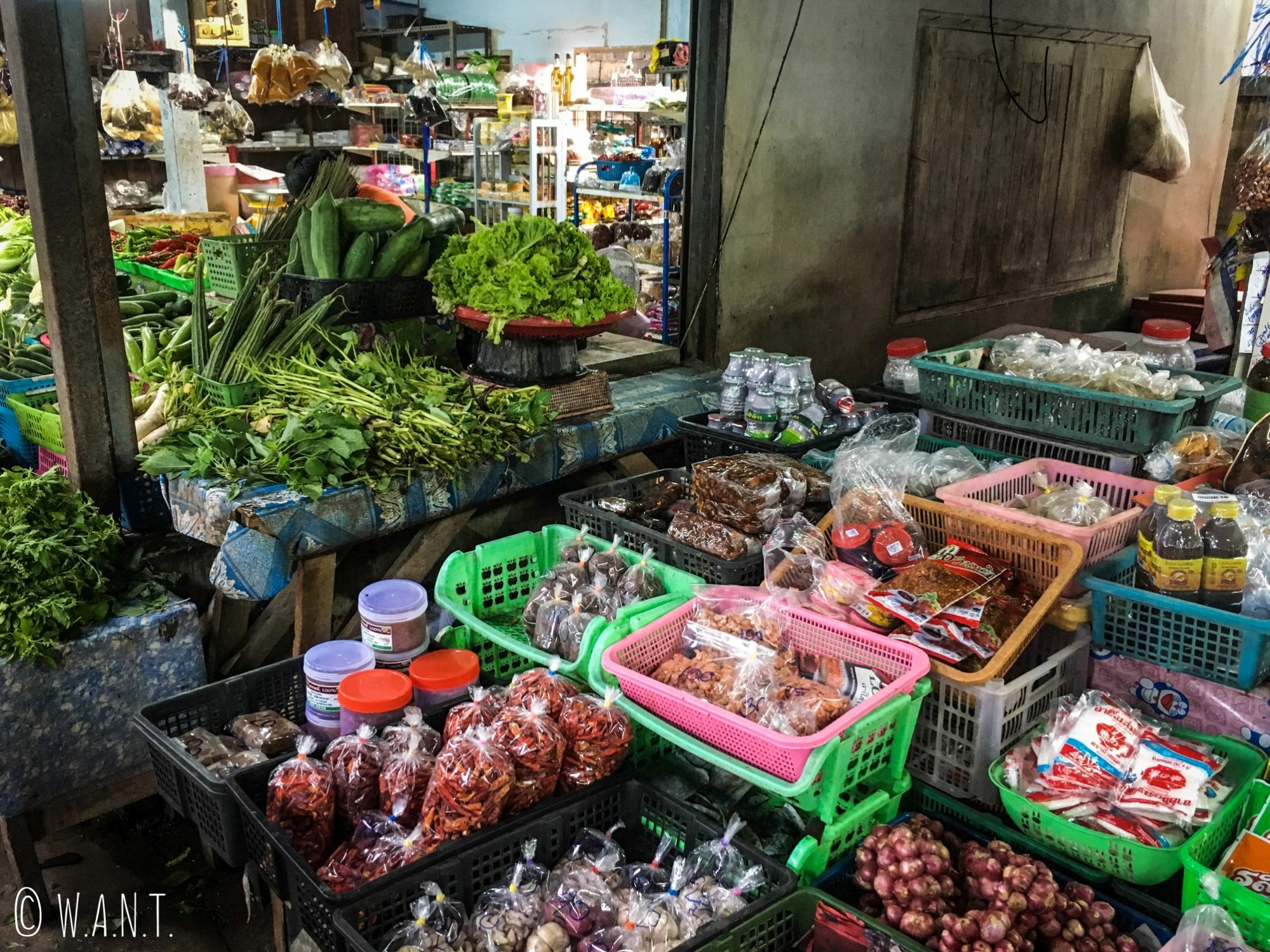 Étal de marché dans le village musulman de Koh Samui
