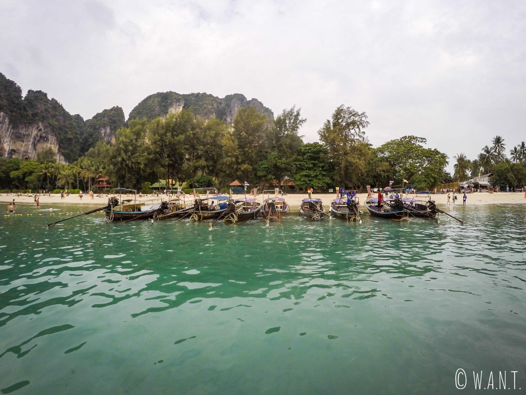 Arrivée sur la plage de Railay Beach dans la province de Krabi
