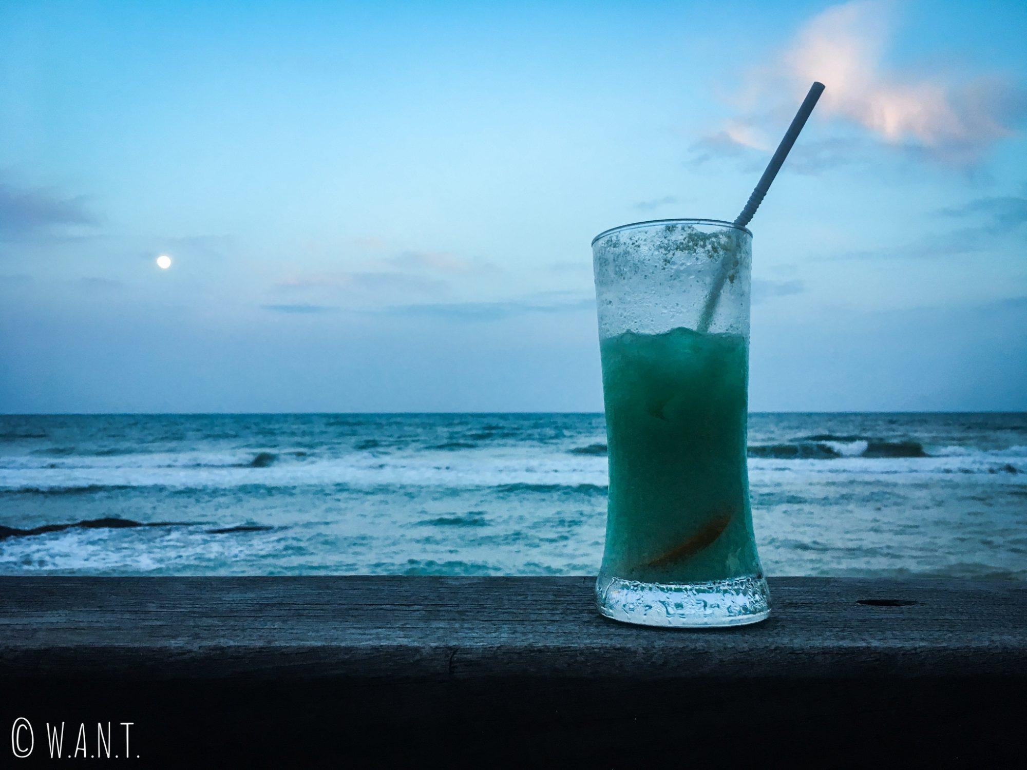 Cocktail et vue au Sheraton de l'île de Koh Samui