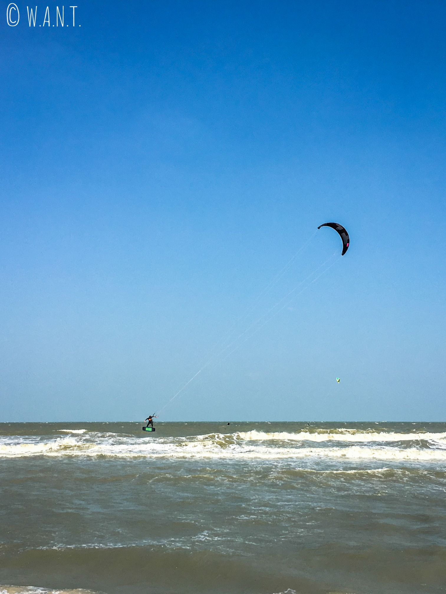 Les Kitesurfers sont de sortie à Hua Hin
