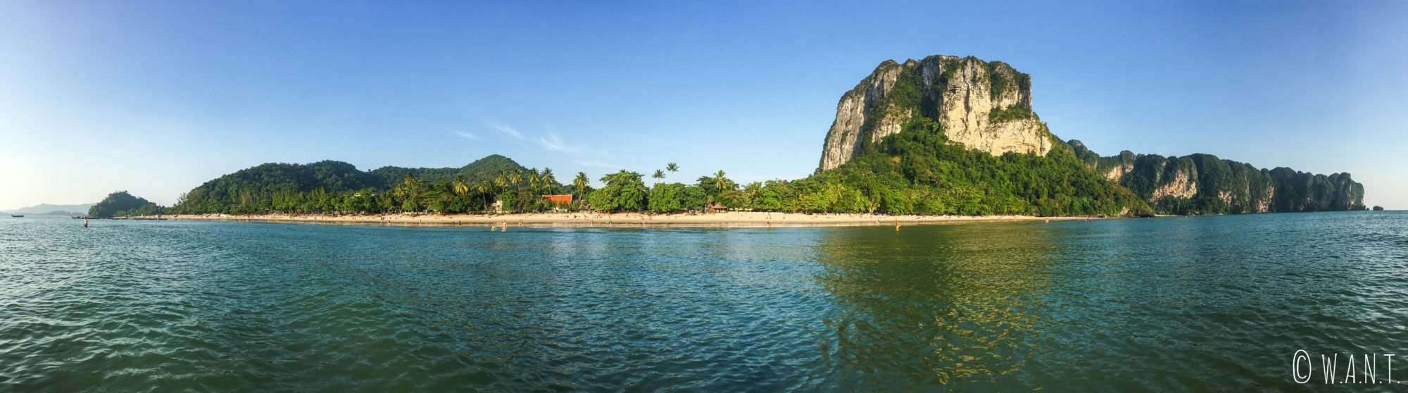 Panorama de Ao Nang Beach dans la province de Krabi