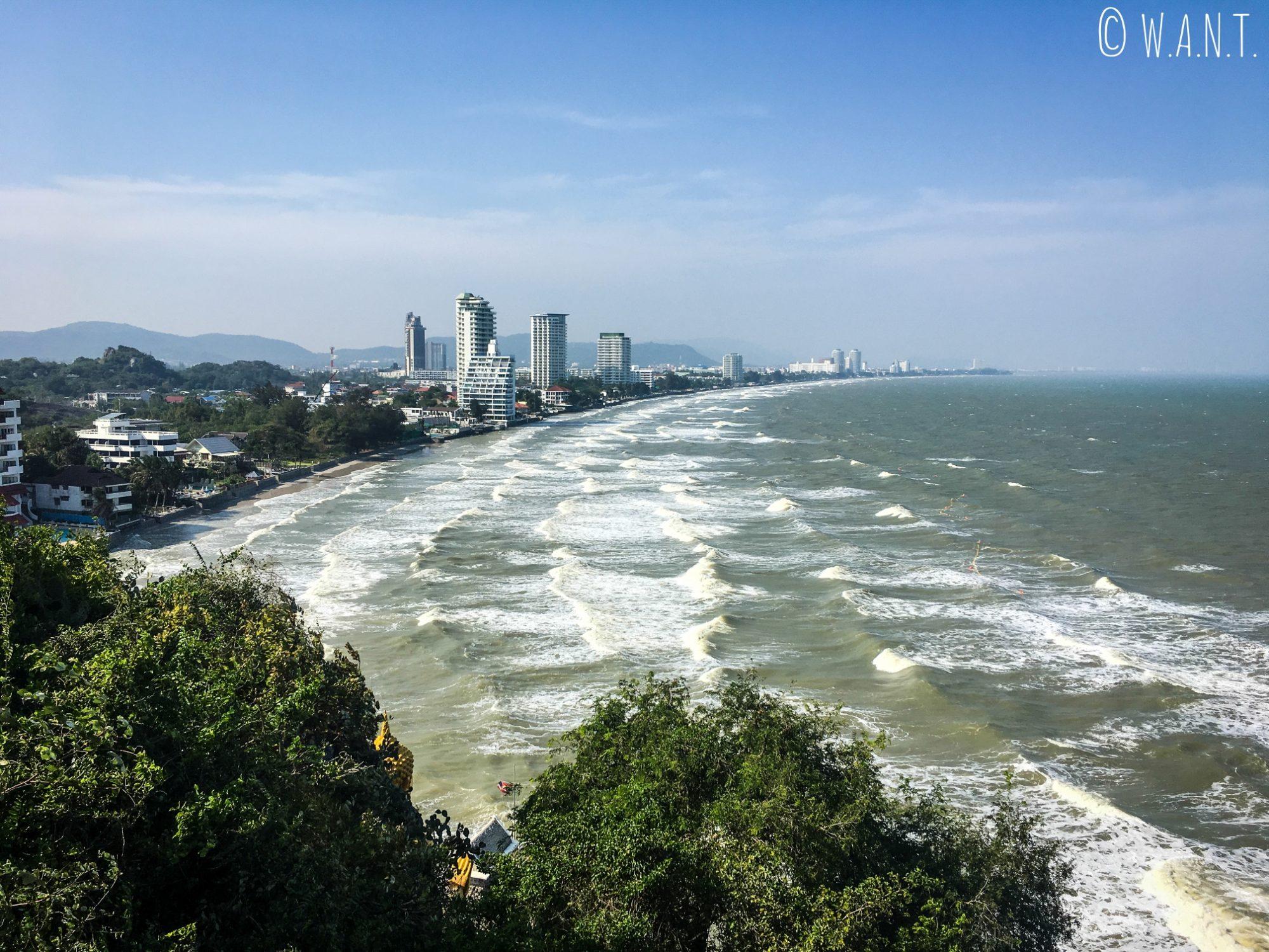 Panorama depuis la colline Khao Takiab à Hua Hin