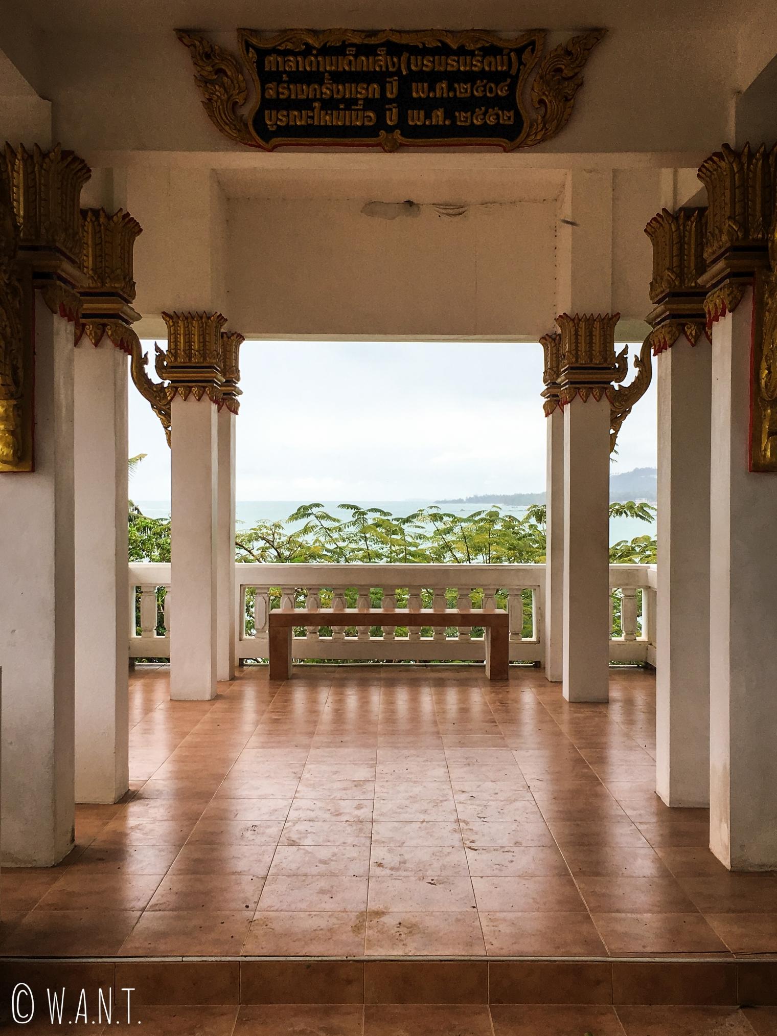 Patio du Wat Sila Ngu sur l'île de Koh Samui