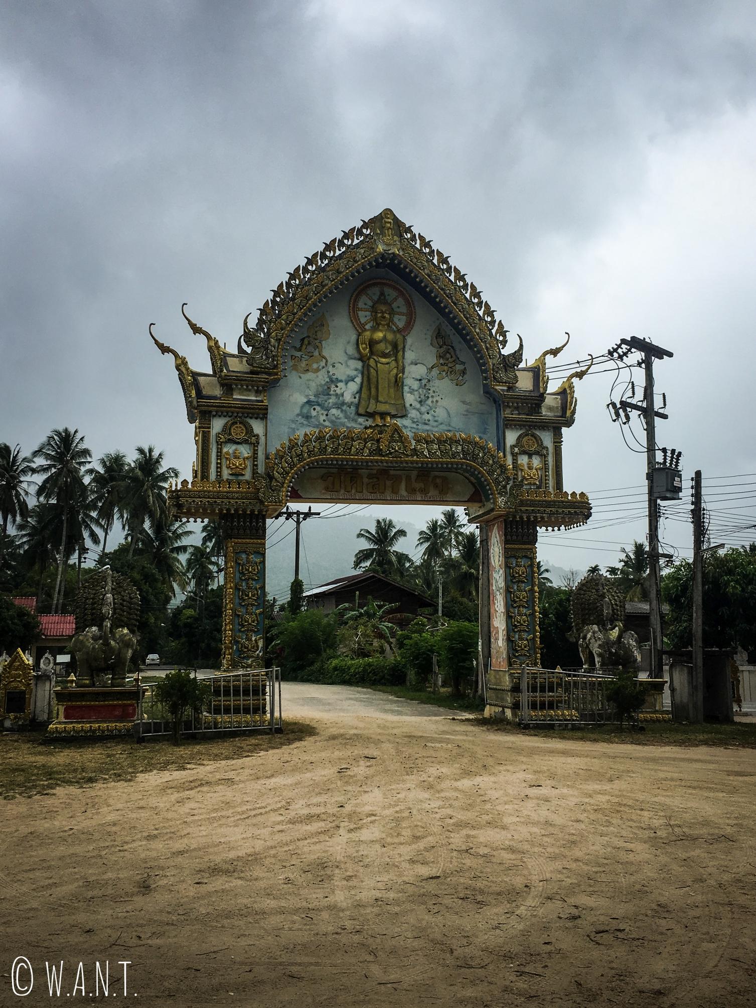 Porte d'entrée du Wat Samret de Koh Samui
