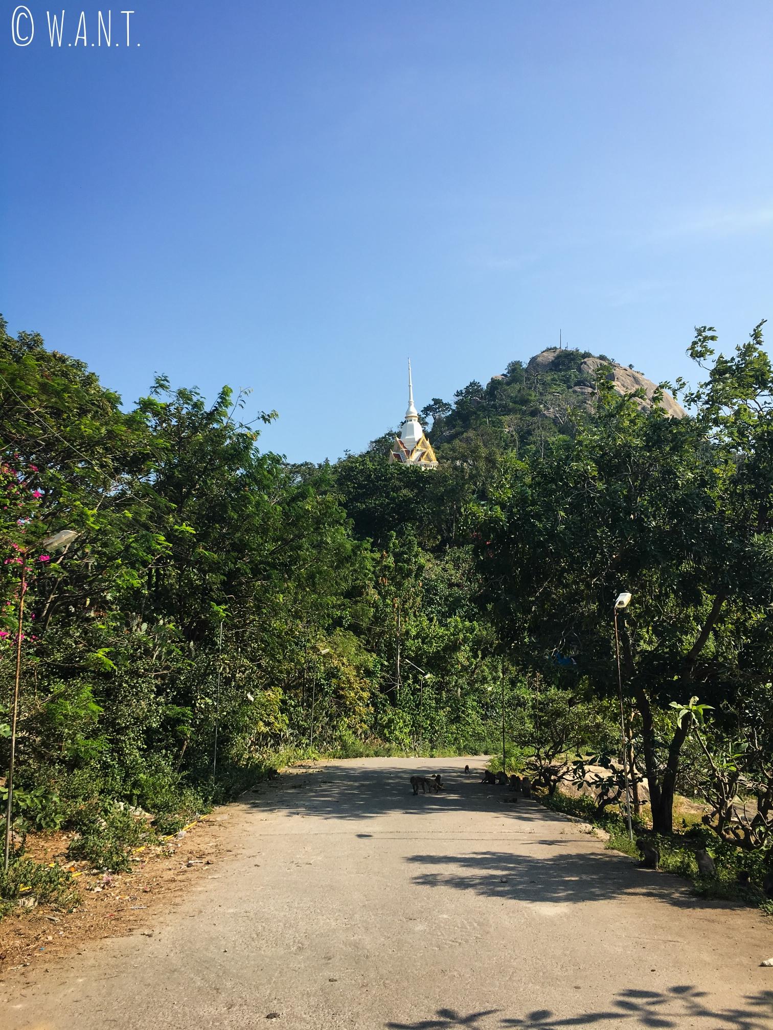 Route d'accès au Wat Khao Takiab de Hua Hin