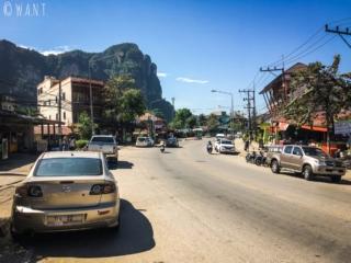 Rue principale de Ao Nang dans la province de Krabi