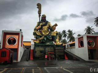 Statue de Guan Yu sur l'île de Koh Samui