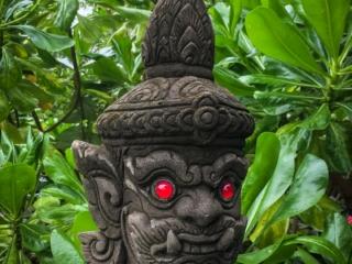 Statue du Khao Hua Jook Chedi sur l'île de Koh Samui
