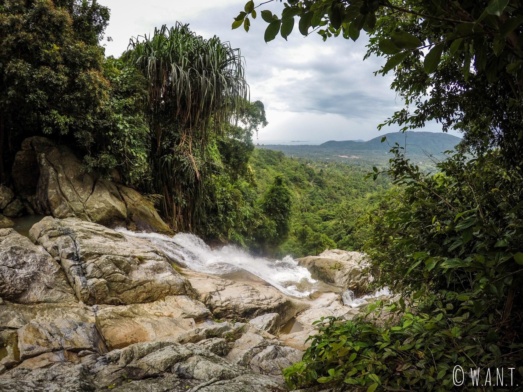 Vue depuis la cascade de Namuang 2 sur l'île de Koh Samui