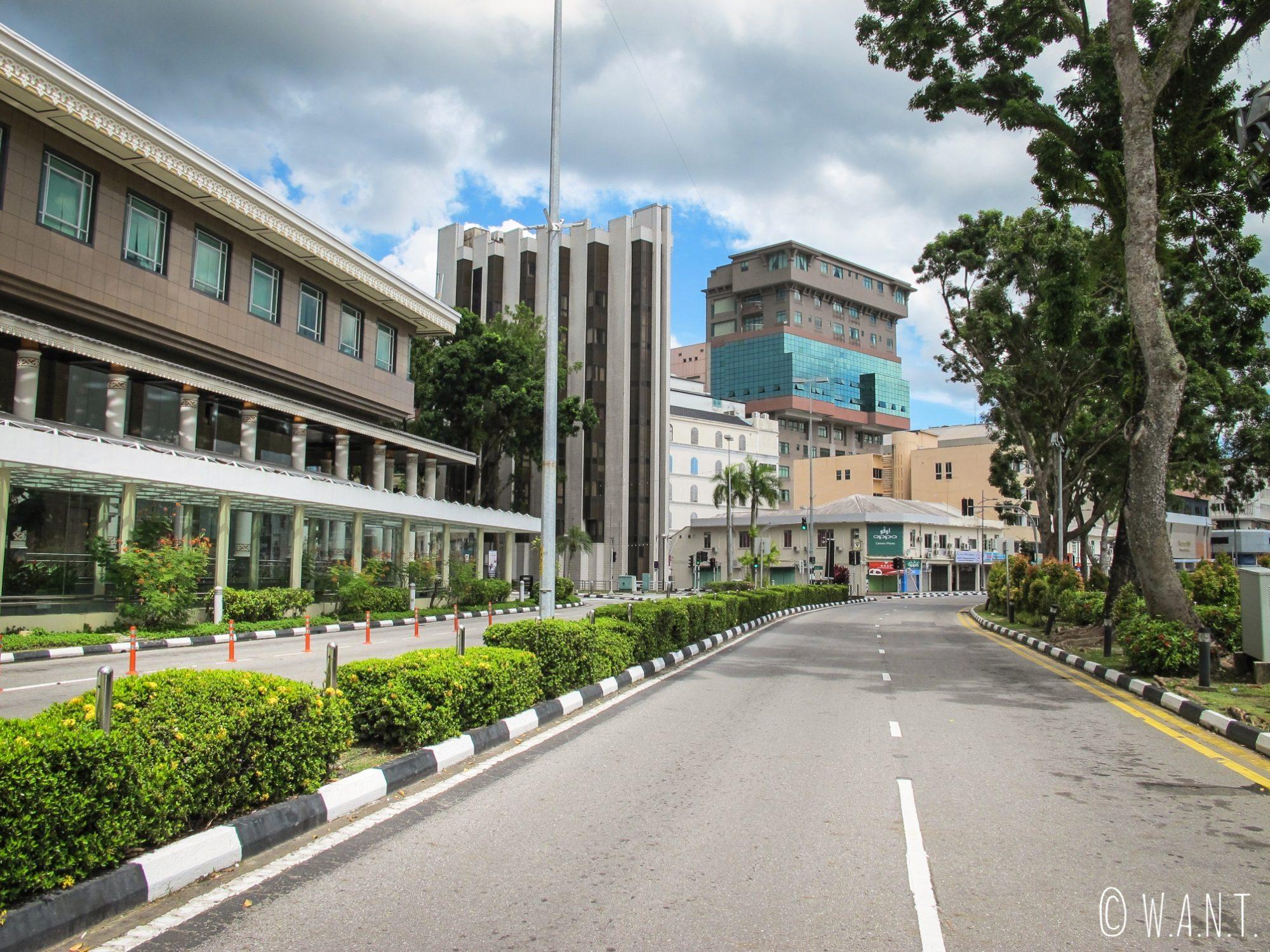 Aucune circulation dans les rues de Bandar Seri Begawan le vendredi de 12h00 à 14h00
