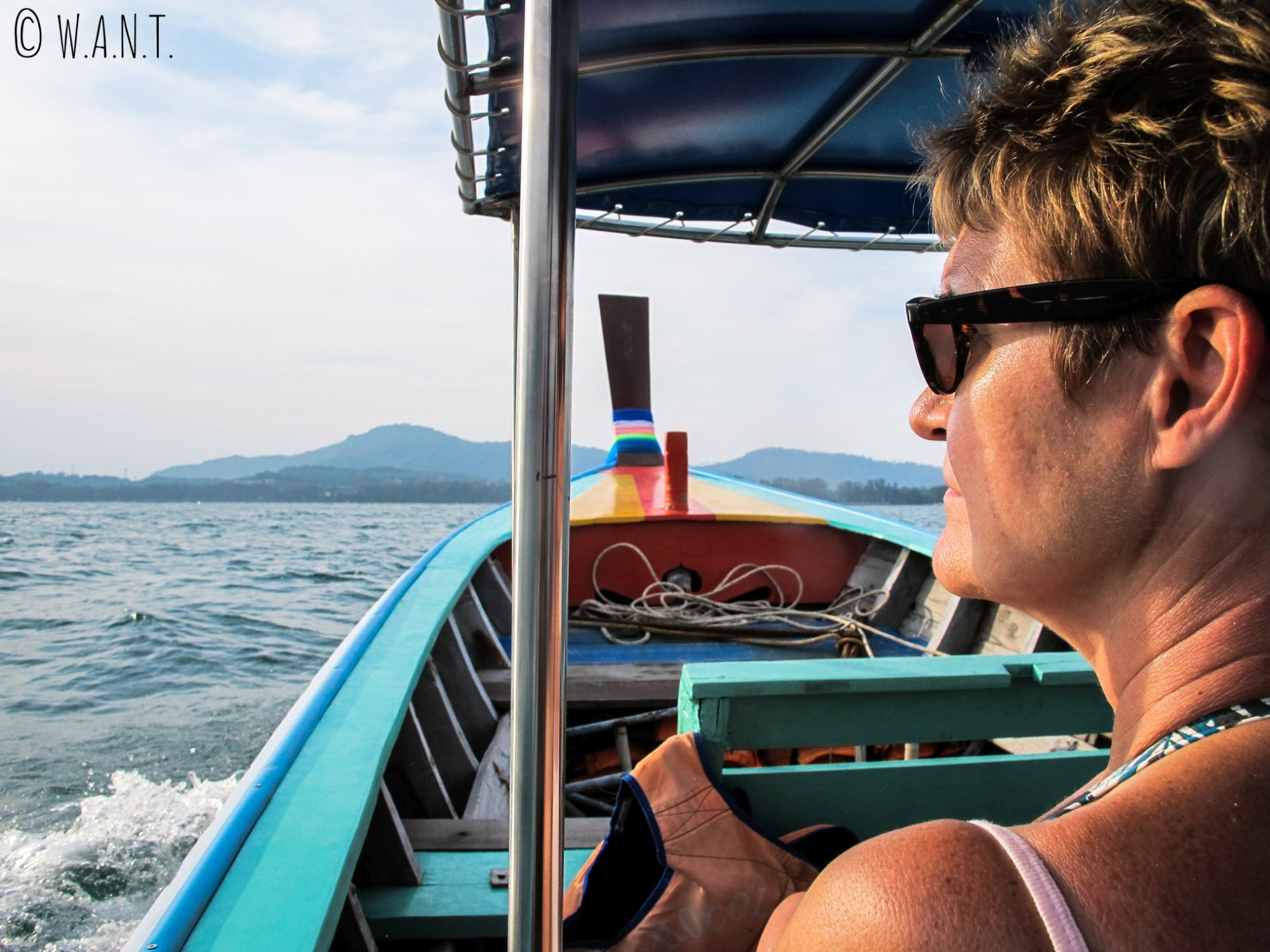 Colette à bord d'un longtail boat à Phuket