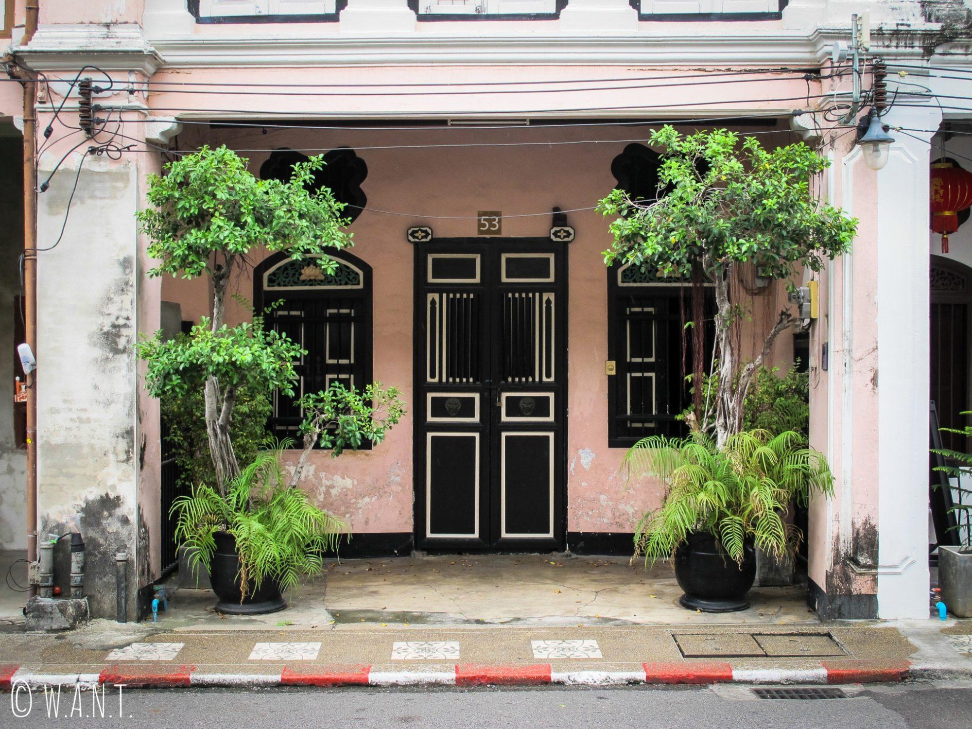 Entrée de maison dans le vieux Phuket