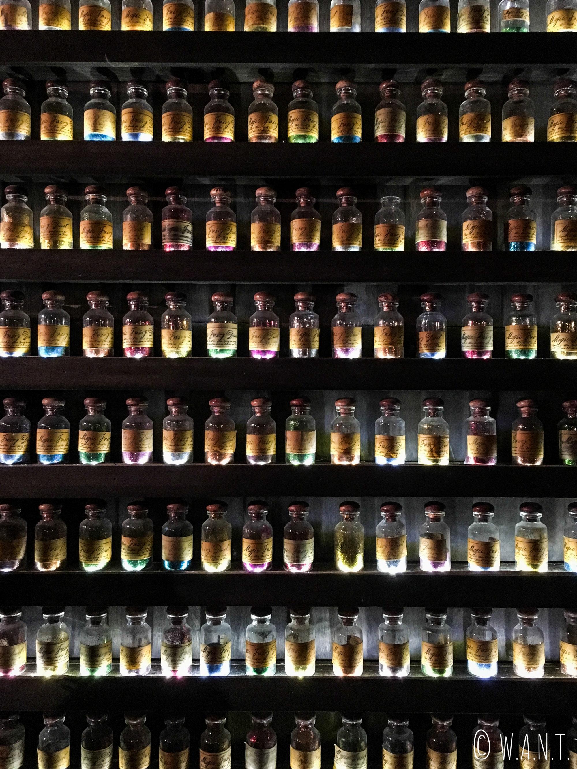 Fioles d'alcools au bar Iron Fairies de Bangkok