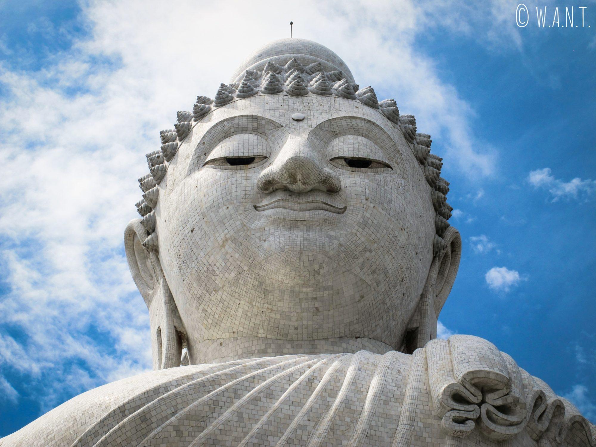 Gros plan sur la statue de Big Bouddha à Phuket