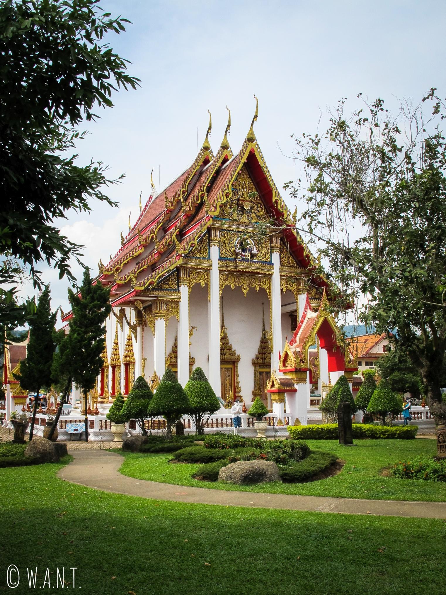 L'un des temples du complexe de Chalong temple à Phuket