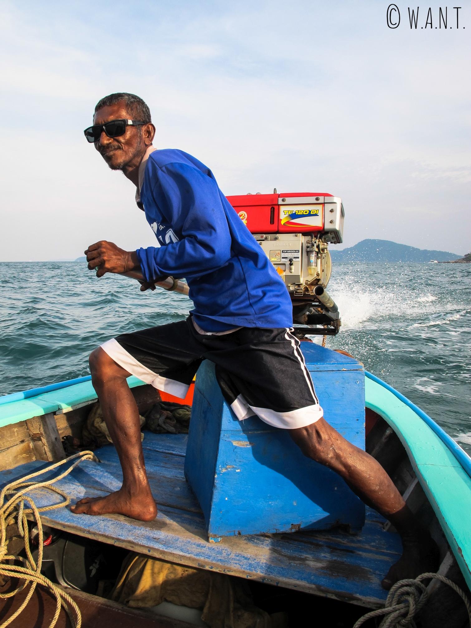 Pilote de notre longtail boat à Phuket