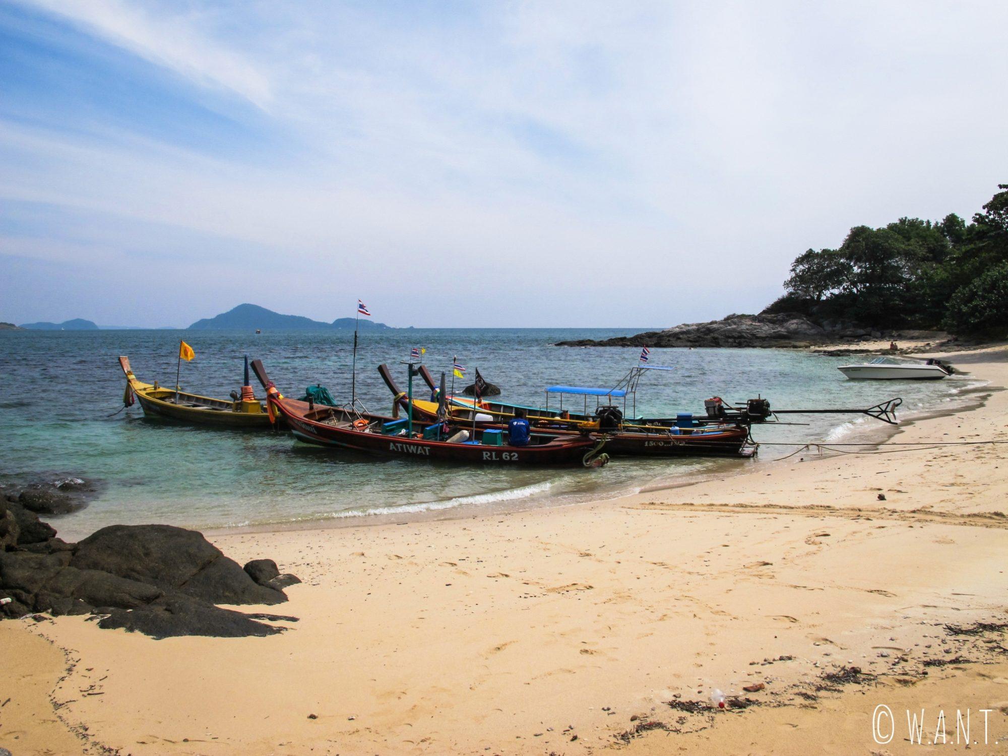 Plage de Bouddha Island près de Phuket