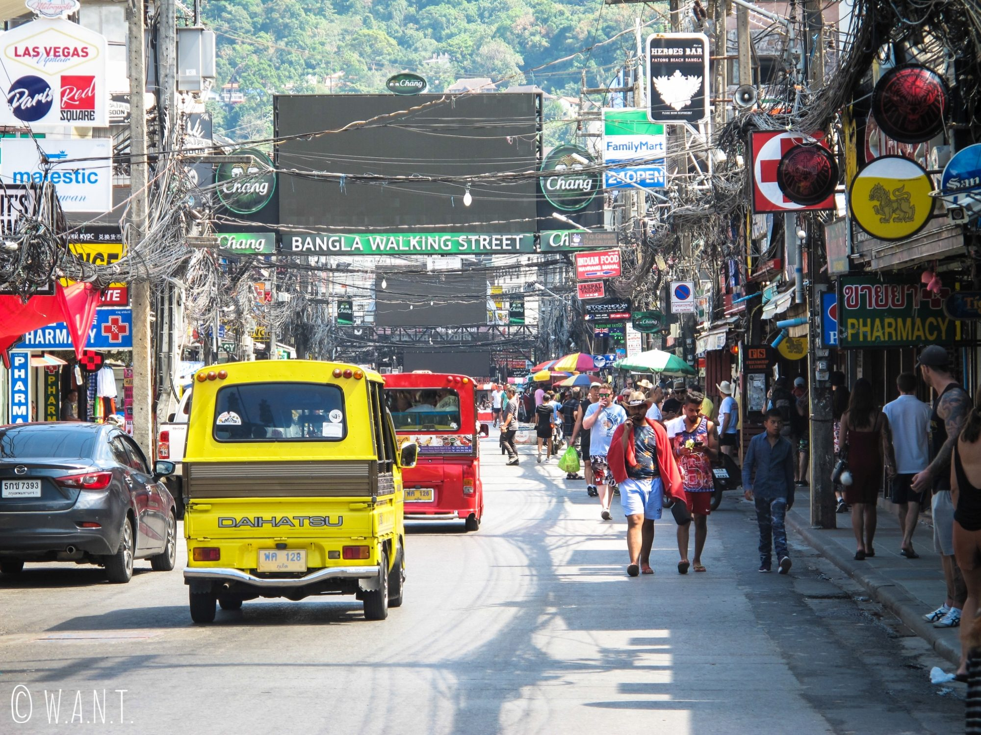 Rue principale de Patong à Phuket