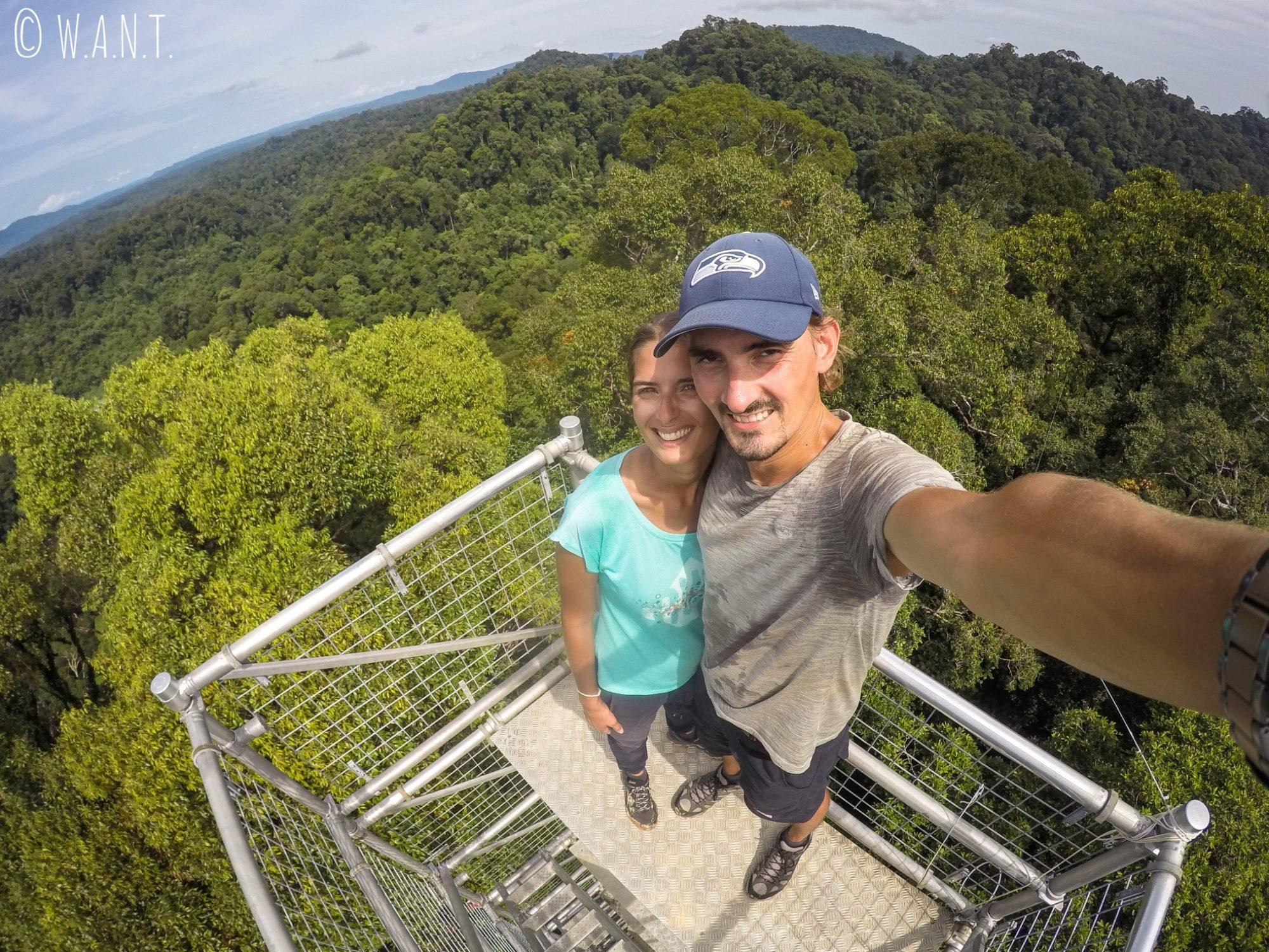 Selfie au-dessus de la canopée du Parc national Ulu Temburong au Brunei