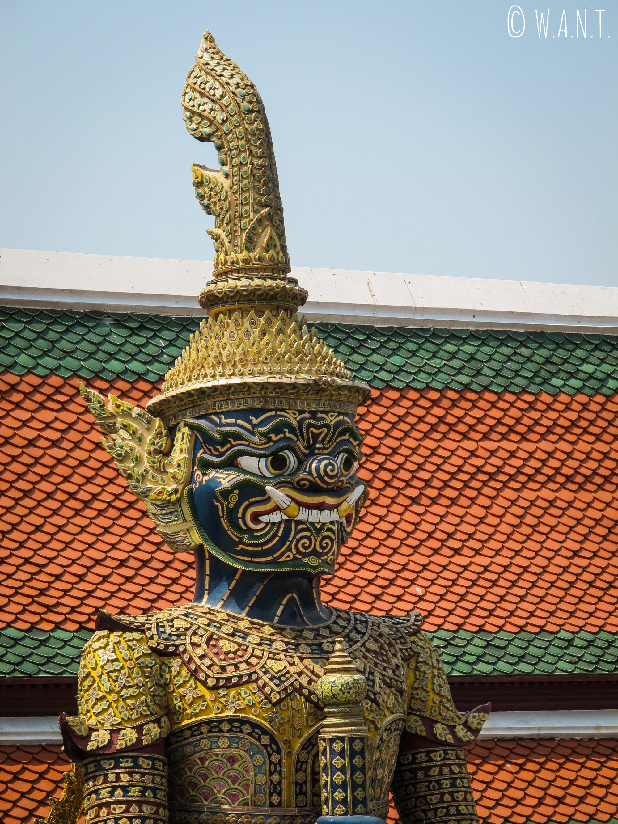 Statue de dvarapala au Palais Royal de Bangkok